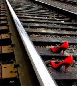 ausencia zapatos rojos